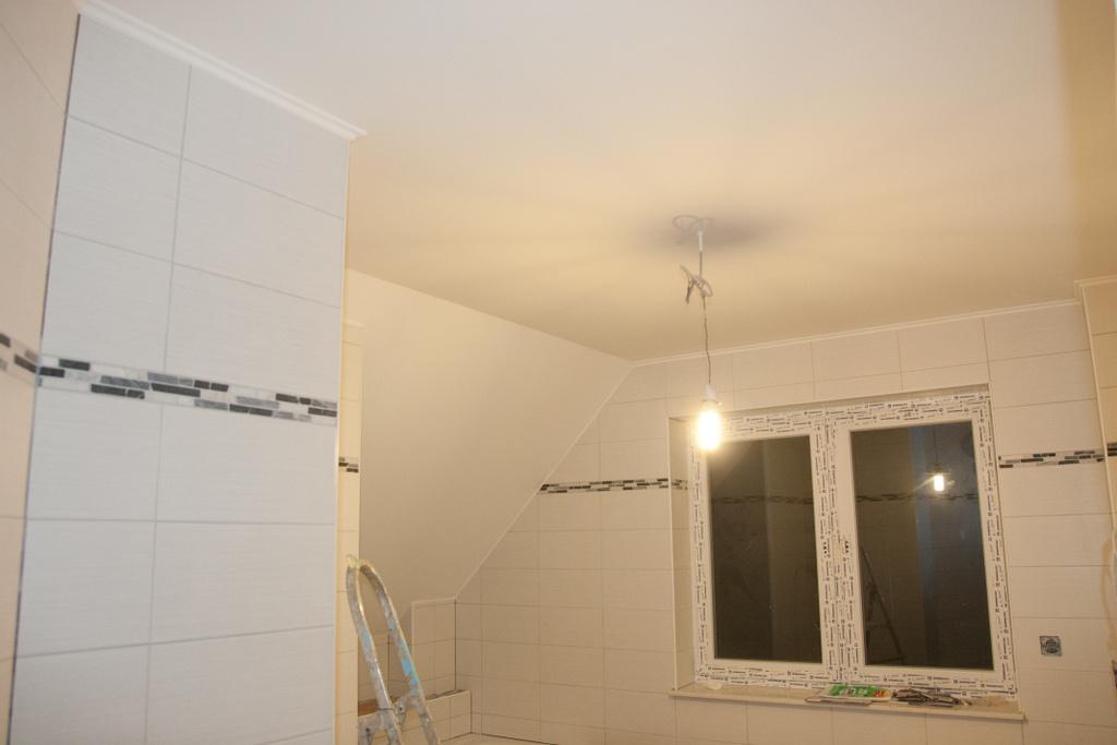 badezimmer hat jetzt auch eine wei e decke das gr n von vorher passte hier einfach nicht jetzt. Black Bedroom Furniture Sets. Home Design Ideas